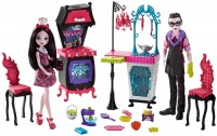Купить кукла Monster High Monster Family Vampire Kitchen FCV75: цена от 1363 грн.